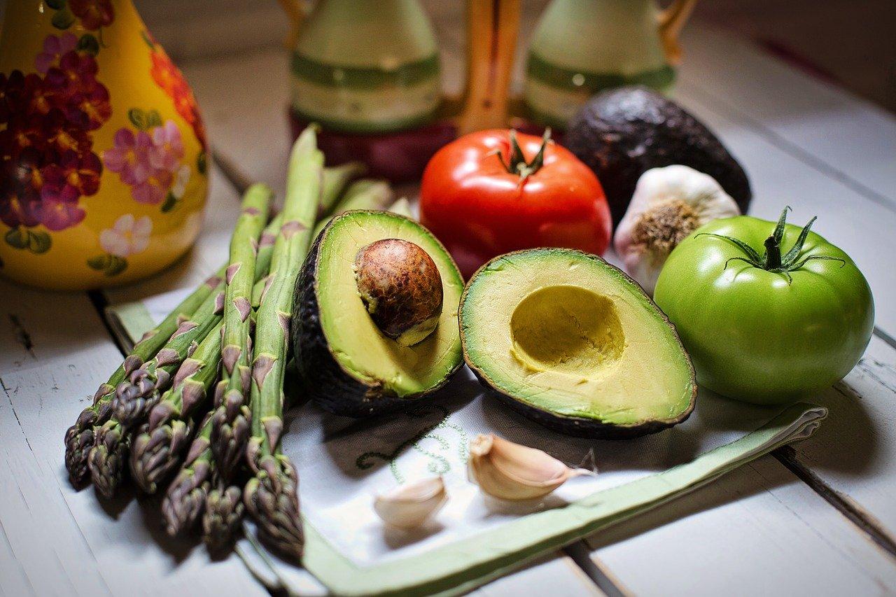 비타민B 효능 - 녹색 채소들과 건강한 채소 사진